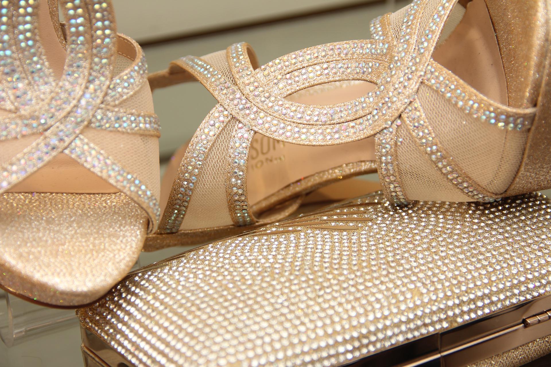 fd8039032d46e Styl glamour w modzie – jak stworzyć wyjątkową stylizację wieczorową ...