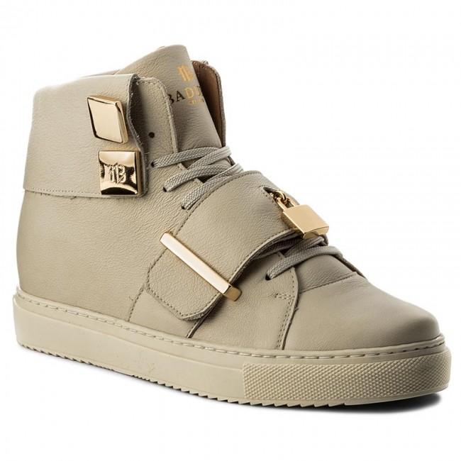 Kosmiczne sneakersy