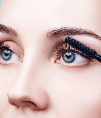5 błędów makijażu oczu, które zdarza ci się popełnić