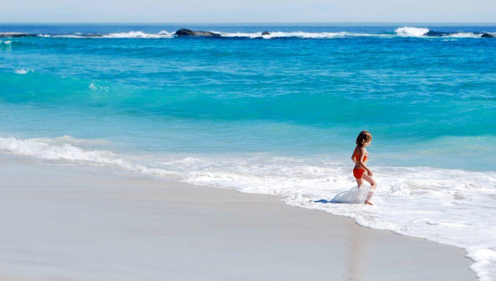 Plaża i czysta woda