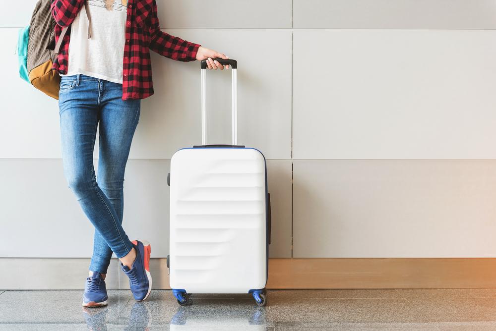 Kobieta z bagażem