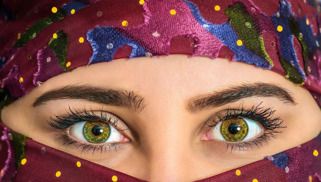 Oczy z soczewkami