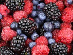 Kolorowe soczyste zdrowe owoce