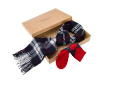 elegancki zestaw na prezent szalik i skarpetki