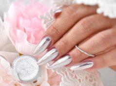 srebrne metaliczne paznokcie