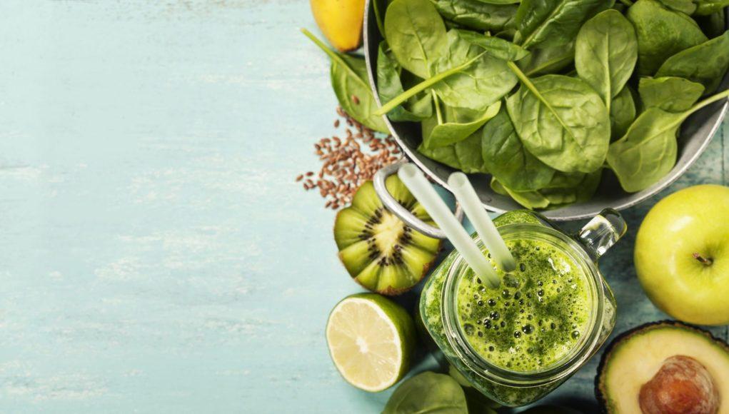 koktajl z zielonych warzyw i owoców
