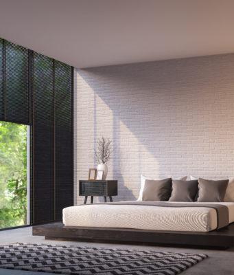 nowoczesna sypialnia z roletami w oknach