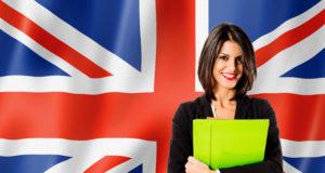 kobieta na tle brytyjskiej flagi