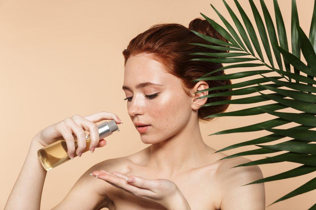 Jak stosować olejek w demakijażu?