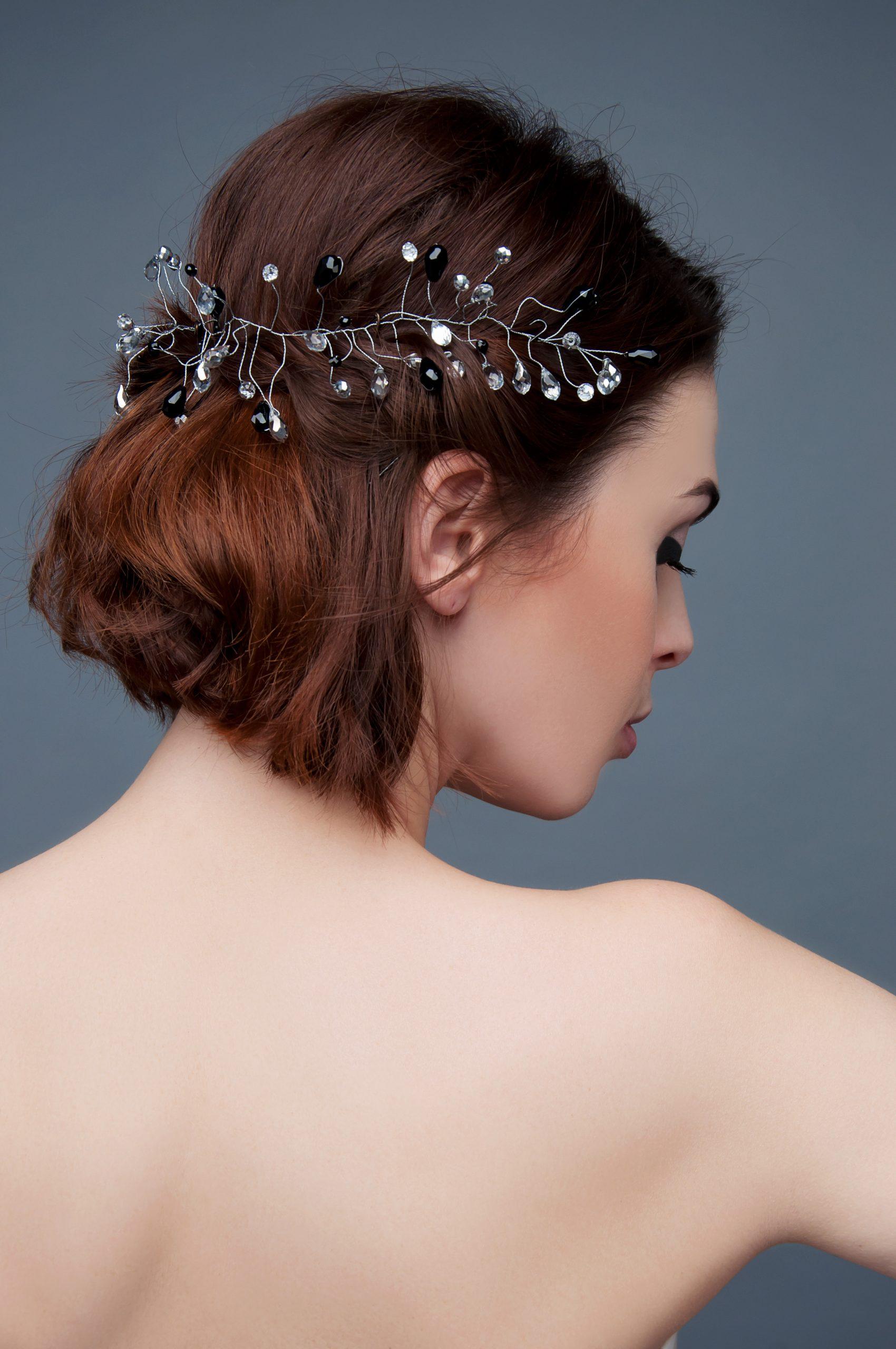 moda ślubna ozdoba na włosy