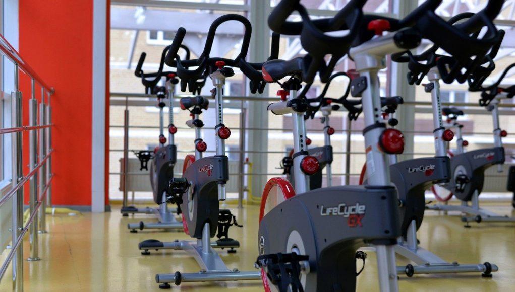 siłownia rowerki stacjonarne